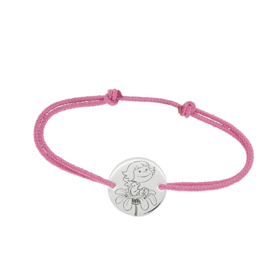 Fillette_sur_fleur_ac_bracelet_R-1.jpg